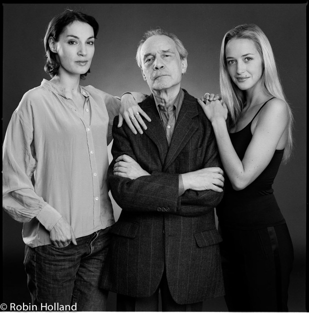 Jeanne Balibar, Jacques Rivette and Hélène de Fougerolles, NYC, 9/28/01
