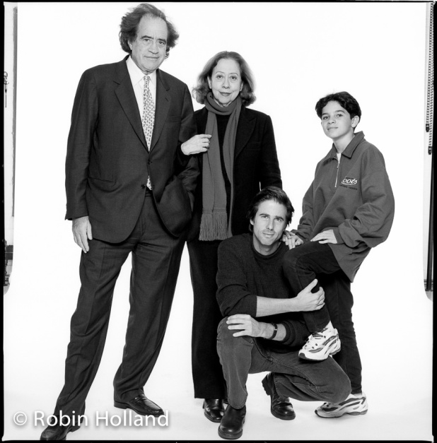 Walter Salles (squatting), with, left to right, producer Arthur Cohn and actors Fernanda Montenegro and Vinicius de Oliveira, NYC, 11/5/98